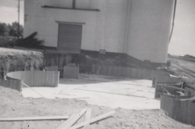 Initial formwork for new grain bins at Flagler in 1953.