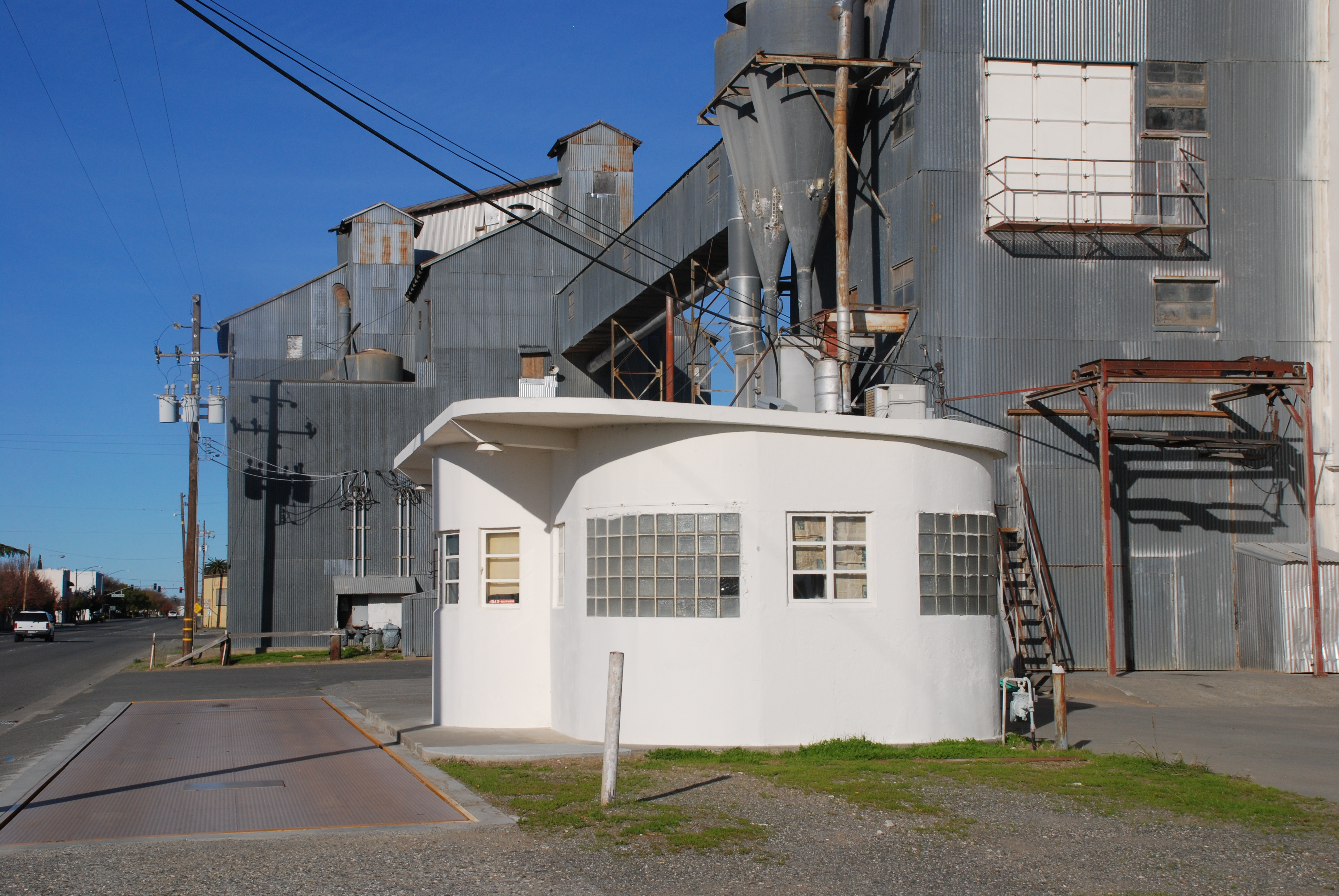 Scale house « Our Grandfathers\' Grain Elevators