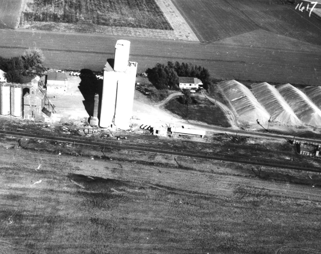 This photo, provided by Kurtis Glinn, shows Tillotson Construction's Murphy elevator in the early 1960s. Note the ground storage of grain sorghum on the right.