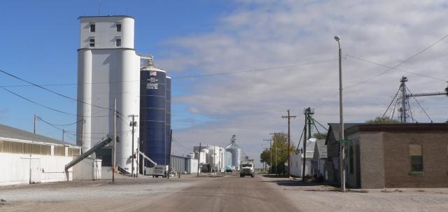 Richland,_Nebraska_Front_from_Tilden_1
