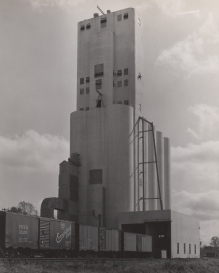 Vinton Street elevator in Omaha, circa 1947.